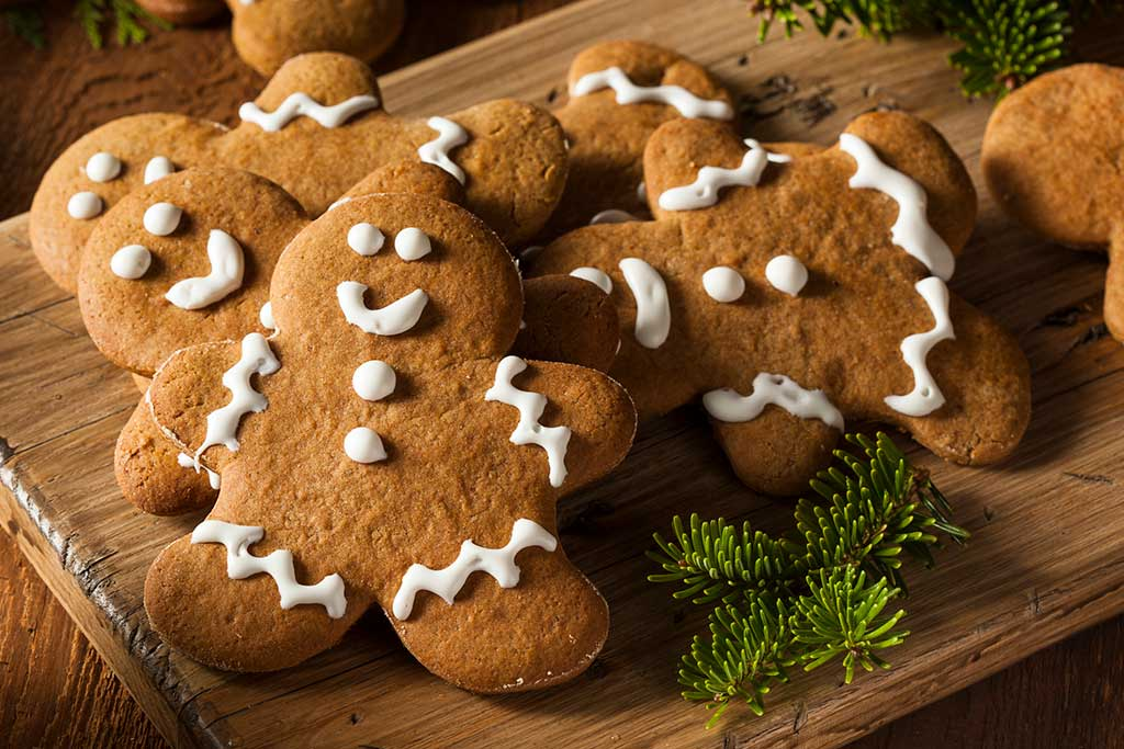 Cookie Decorating & Crafts - Entertainment - SkyPark at Santa's Village