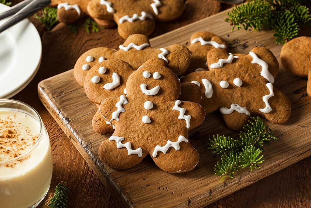 Cookie Decorating with Santa's Elves - Lake Arrowhead Attractions - SkyPark at Santa's Village