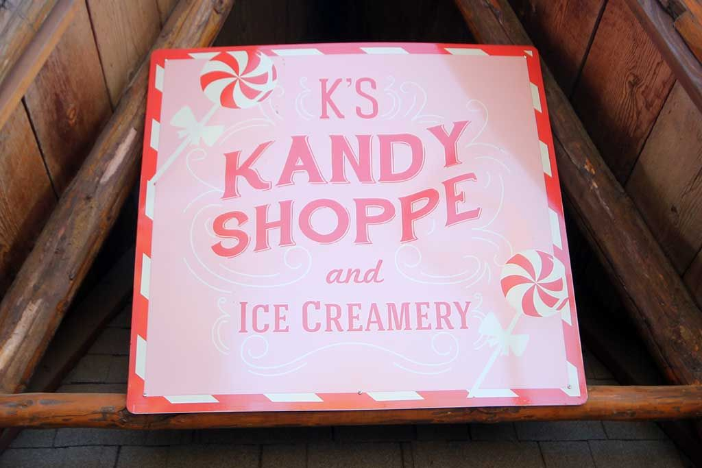 Restaurants - K's Kandyshoppe & Creamery - SkyPark at Santa's Village