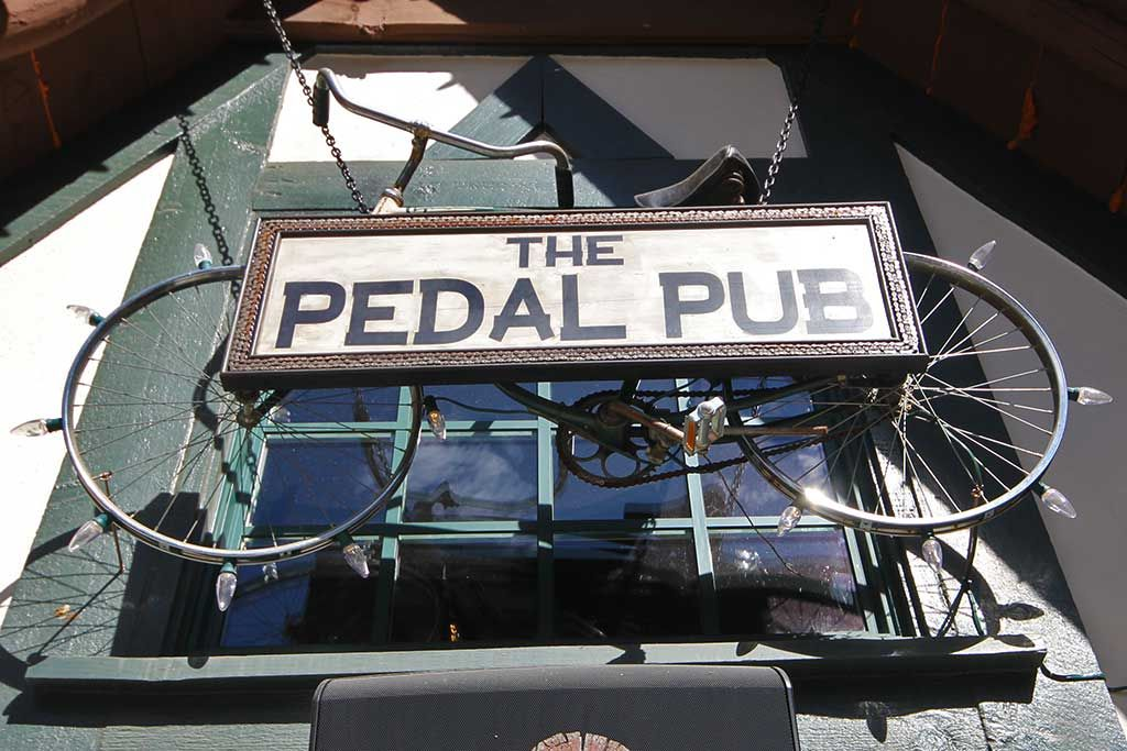 The Pedal Pub - Places to eat in Lake Arrowhead - SkyPark at Santa's Village