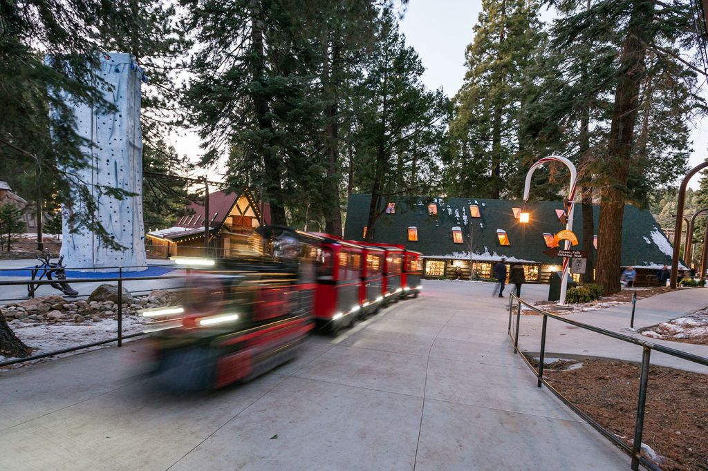 Northwoods Express Train Ridge - SkyPark at Santa's Village