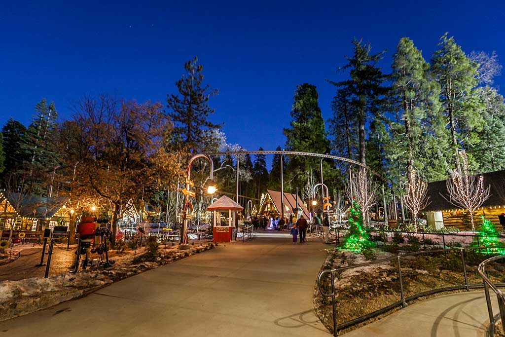 Big Bear Village Christmas.Santa S Village Attractions Lake Arrowhead Things To Do